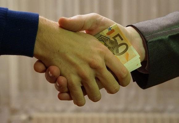 Kredyt pod kontrakt